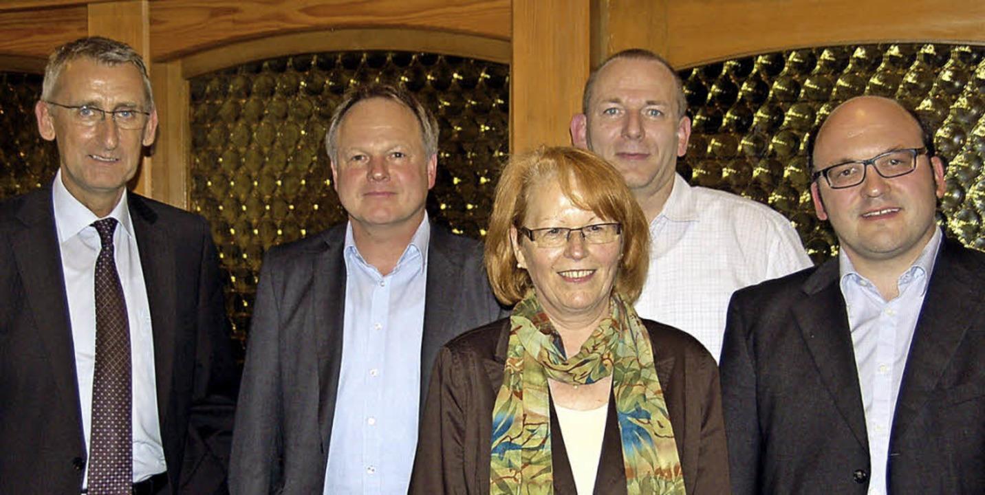 MdB Armin Schuster mit dem wiedergewäh... Krämer und Sven Behringer (von links)    Foto: Ulrike Jäger