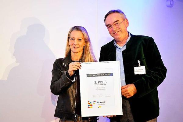 2.Platz Online Only für Bettina Birk vom Theater Freiburg, hier mit Laudator Bernd Herkenrath