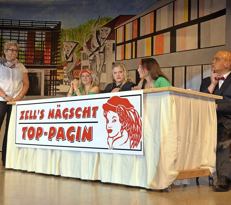 Lustig ging's zu beim Casting zu...220;. Bild rechts: Tanz der  Paginnen.  | Foto: Silke Hartenstein