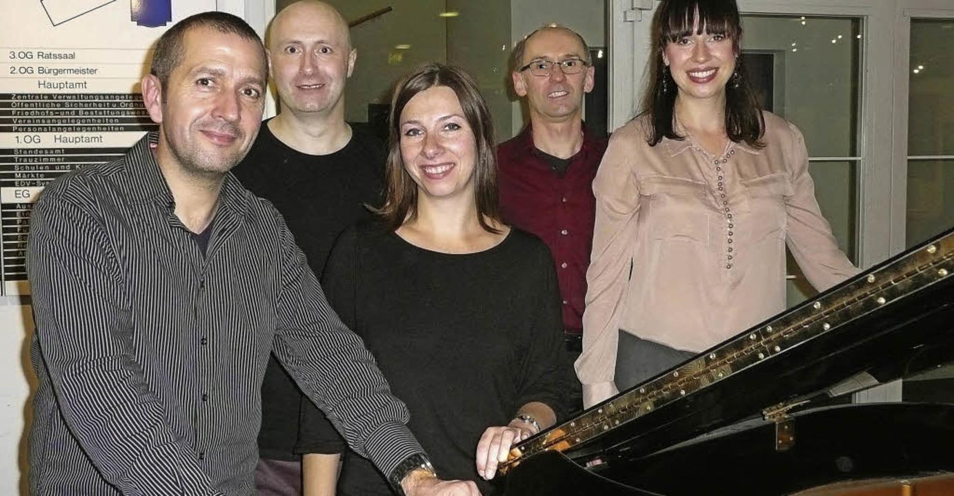 Die Künstler (von links): Eric Karle, ...ndres Buchholz und Hildegard Brinkel.   | Foto: Annette Preuss