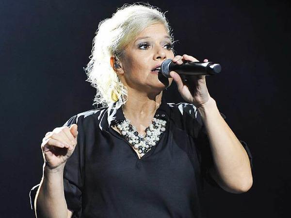 Ina Müller in ihrem Element: Zur Gesangskunst gesellt sich große Mimik