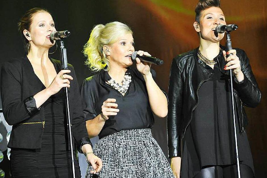Die Meisterin mit ihren beiden Vasallinnen Ulla Ihm und Sarah Jane McMinn (Foto: Hans-Peter Müller)