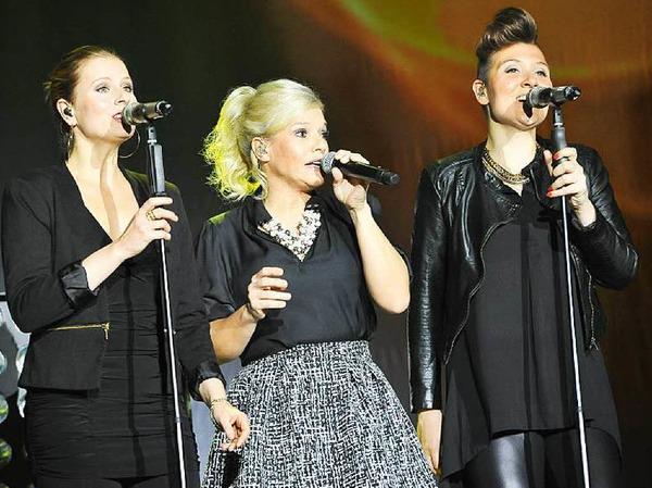 Die Meisterin mit ihren beiden Vasallinnen Ulla Ihm und Sarah Jane McMinn