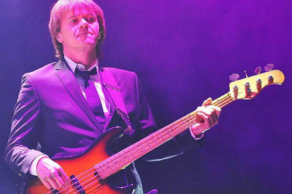 Die versierte Band als wichtiger Erfolgsfaktor: Bassist Dirk Ritz (Foto: Hans-Peter Müller)