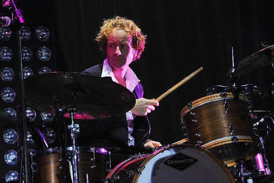 Die versierte Band als wichtiger Erfolgsfaktor: Schlagzeuger Marco Möller (Foto: Hans-Peter Müller)