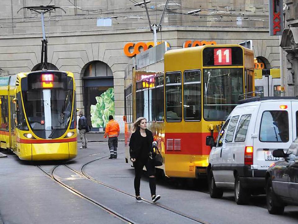 Eine Tram der Linie 11 - wie hier am B...Unfall von  Sorin Brebeanu verwickelt.  | Foto: Daniel Gramespacher