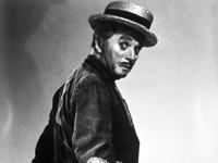 Eugene nimmt sich Vater Charlie Chaplin zum Vorbild