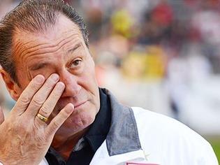 VfB-Coach Stevens vor Partie in Freiburg