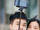 Warum bestimmte Selfie-St�be in S�dkorea verboten sind