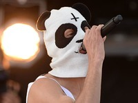 Gefaktes Interview: Rapper Cro l�sst sich am Telefon vertreten