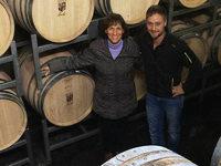 Nach dem Tod des Winzers Bernhard Huber f�hren seine Frau und sein Sohn das Weingut