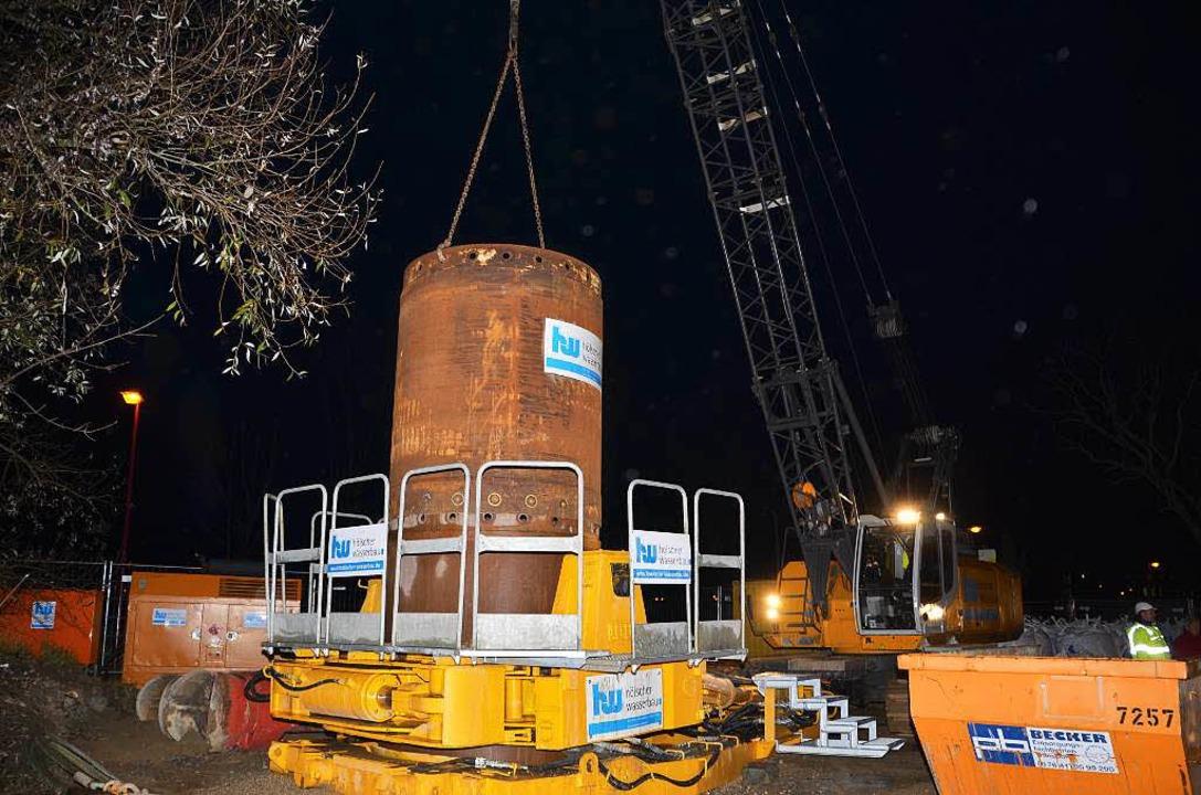 Mit schwerem Gerät wurde an der Vogese...t, der der Grundwassersicherung dient.  | Foto: Hans-Jochen Voigt