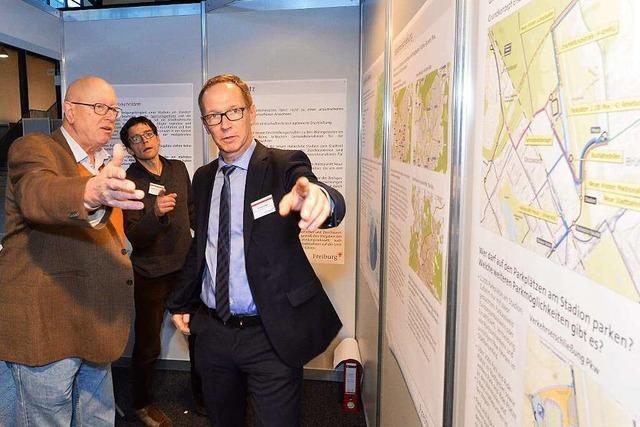 Fotos: Bürgerinformationsveranstaltung in der Messe Freiburg zum Stadion-Neubau