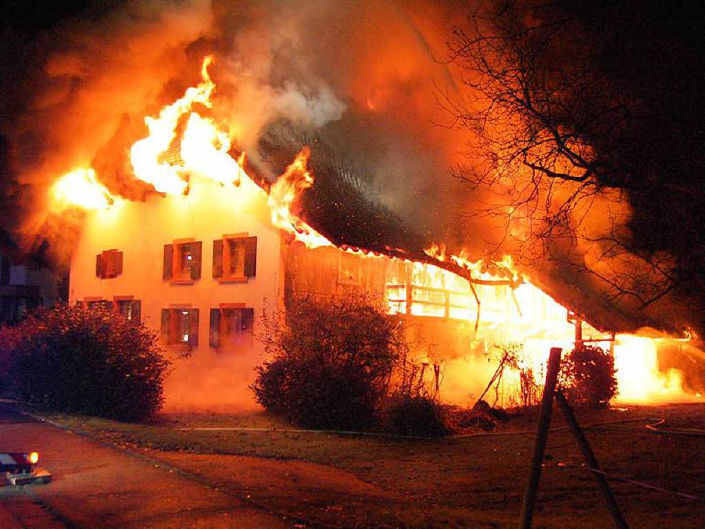 bauernhof in buchholz brennt aus ursache weiter unklar badische zeitung waldkirch. Black Bedroom Furniture Sets. Home Design Ideas