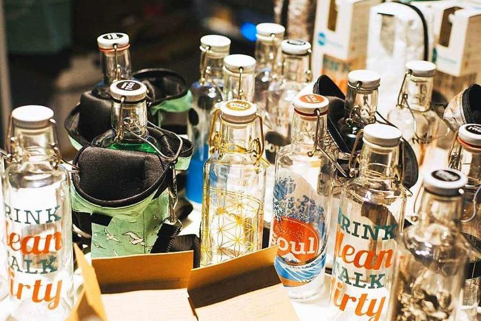 """T-Shirts, Taschen und Dekogegenstände für modebewusste Freiburger konnten beim """"Stijl-Markt"""" bestaunt, getrunken und ausprobiert werden. (Foto: FLORIAN FORSBACH,Florian Forsbach)"""