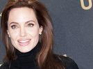 Angelina Jolie l�sst ihre Kinder �berwachen