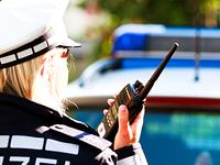 70-J�hriger kommt in Breisach mit dem Auto von der Stra�e ab und stirbt
