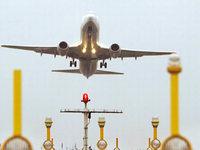 Die Flugpassagiere profitieren kaum vom billigen Sprit