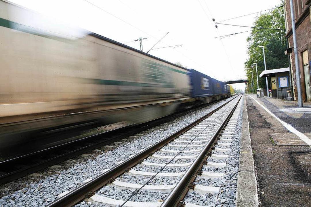Zwei weitere Gleise mitten durch Lahr? Widerstand formiert sich bereits.  | Foto: Christoph Breithaupt