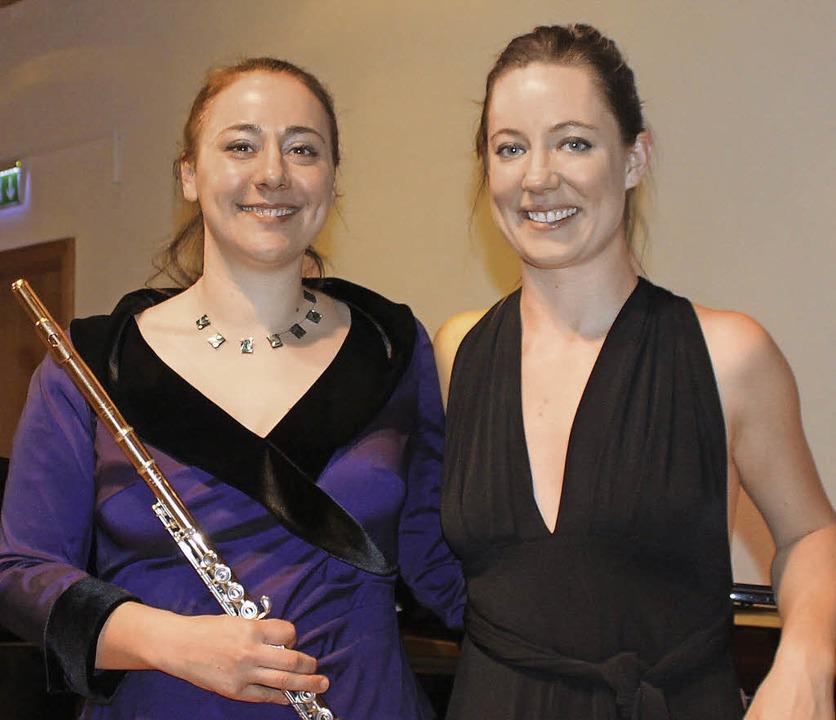 Claire Garde und Stephanie Gurga   | Foto: Gessner