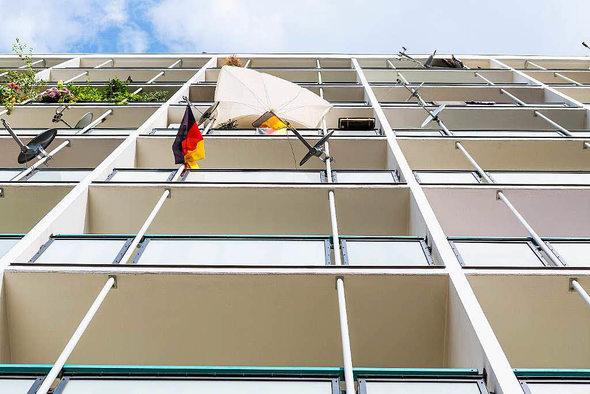 nachbarn d rfen nicht jederzeit auf dem balkon rauchen panorama badische zeitung. Black Bedroom Furniture Sets. Home Design Ideas