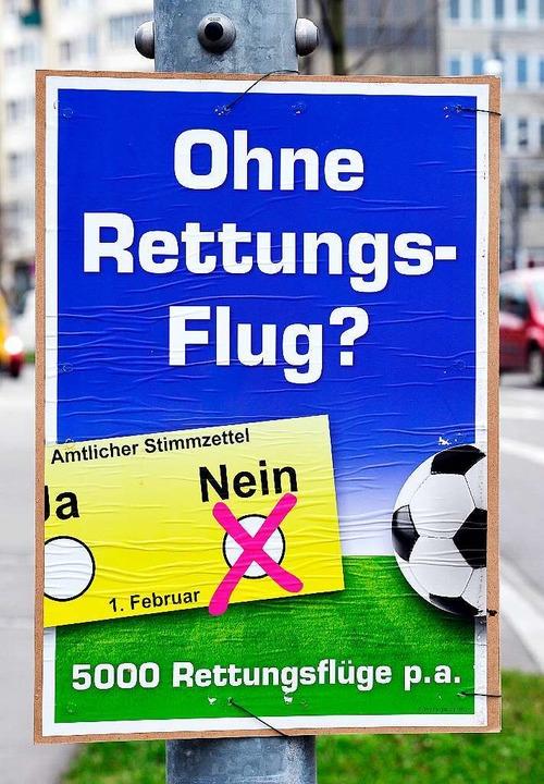 Ein Plakat der Stadiongegner mit verkürzter Aussage  | Foto: T. Kunz