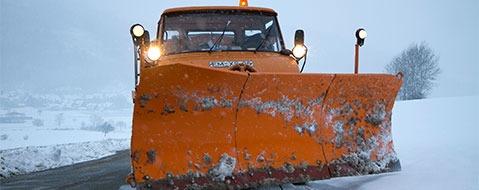 Achtung Autofahrer: Viel Schnee und umgest�rzte B�ume auf den Stra�en