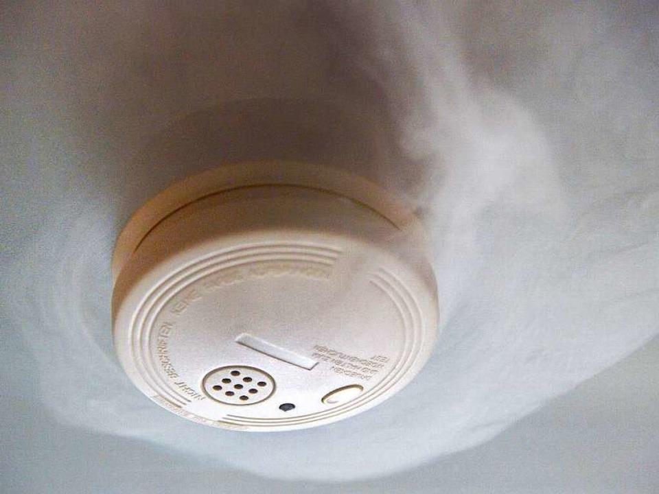 rauchmelder geh rt leben gerettet freiburg badische. Black Bedroom Furniture Sets. Home Design Ideas