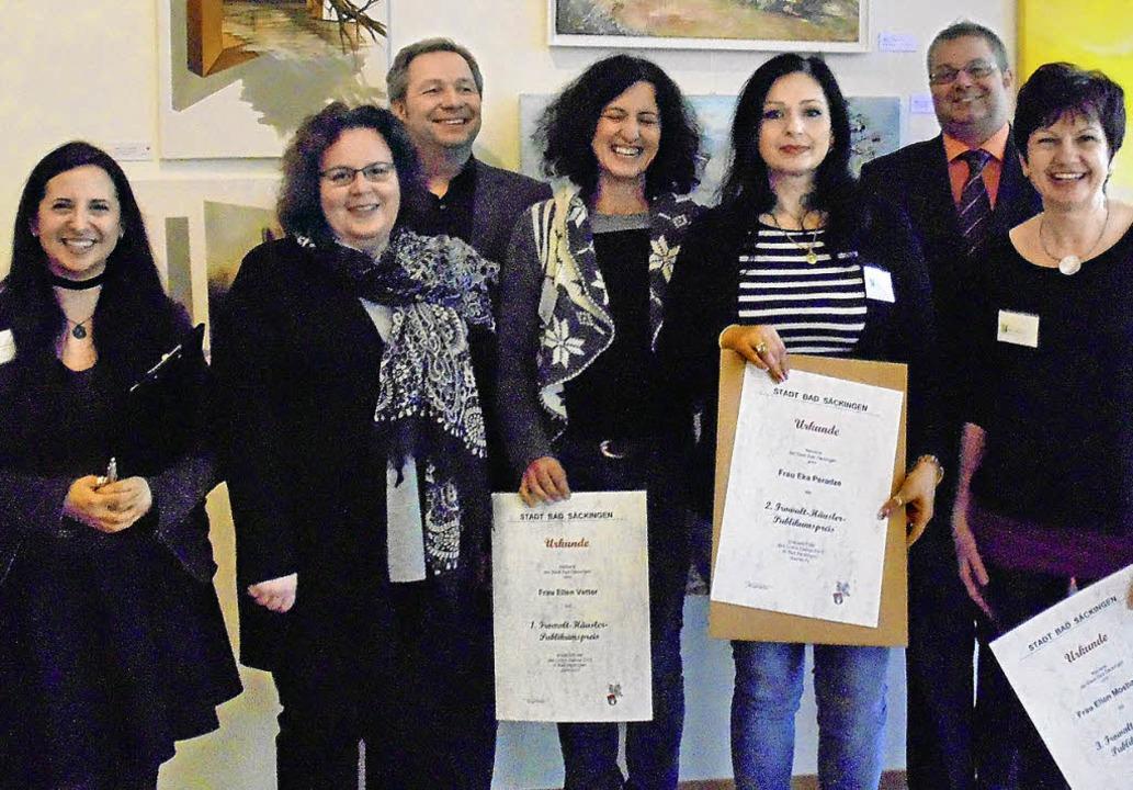 Die Preisträgerinnen des Publikumswett...ank von Düsterlho und Alexander Guhl.   | Foto: Michael Gottstein