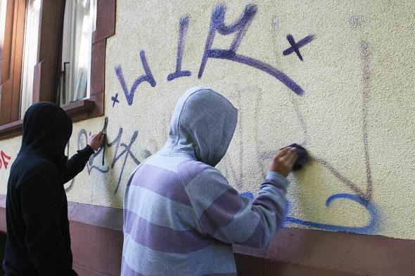 freiburg graffiti freiburg die bunte angespr hte stadt badische. Black Bedroom Furniture Sets. Home Design Ideas
