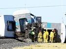 L.A.: Pendlerzug kollidiert mit Lkw