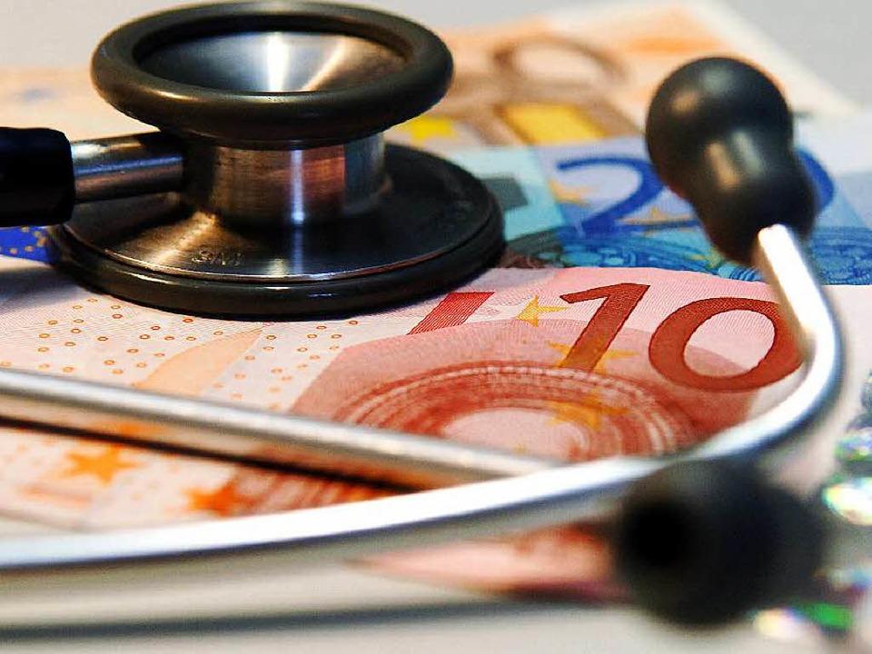 Die psychosoziale Krebsberatung der Uniklinik Freiburg hat finanzielle Probleme.  | Foto: dpa