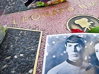 """Fans trauern um """"Mr. Spock"""": Blumen am Walk of Fame f�r Darsteller Leonard Nimoy"""