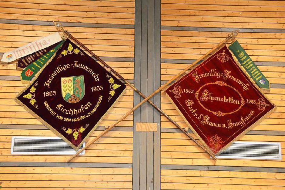 Festlich geschmückt war die Halle, unter anderem mit historischen Fahnen. (Foto: Andrea Gallien)