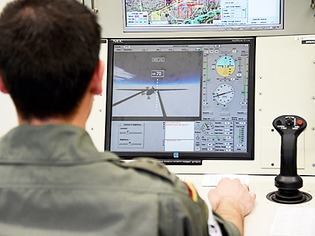 High-Tech: Tornado-Piloten lernen bei der Bundeswehr das Fliegen von Drohnen