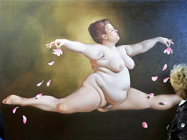 """Bei der Kunstmesse art Karlsruhe  wird das Werk """"Spagat mit Blumen"""" aus dem Jahr 2015 von Lilli Hill gezeigt."""