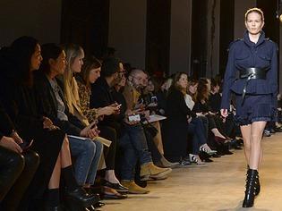 K�hl und kantig: Deutsche Mode vom Label Gauch�re in Paris