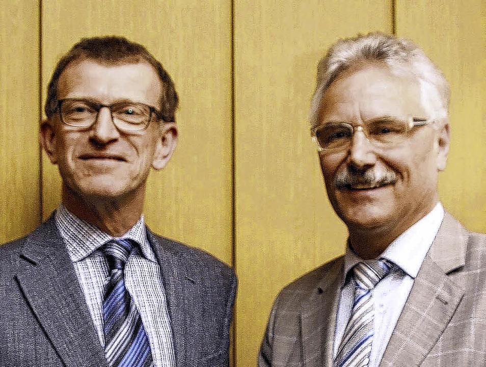 Martin Lienhard (links) führt künftig .... Vorgänger Reinhard Müller hört auf.   | Foto: Jakober