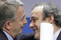 Platini bleibt Uefa-Chef und stichelt leicht