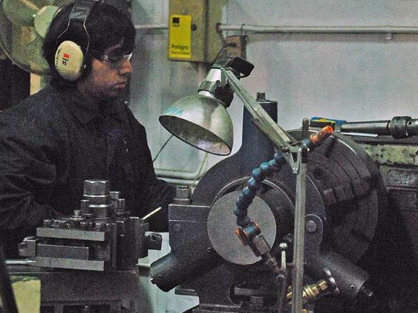 In Santiago bei Maestranza Diesel werden die Motoren der Minenfahrzeuge gewartet und repariert.