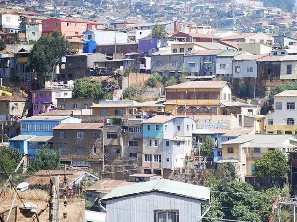 Am Berg gebaut: die chilenische Hafenstadt Valparaiso