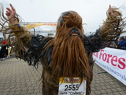 Fotos: Die Marathonl�ufer erobern sich Freiburg