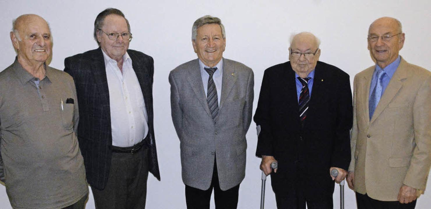 Geehrt wurden bei der Hauptversammlung...d Gottfried Schmidle (alle 50 Jahre).   | Foto: Hannes Lauber