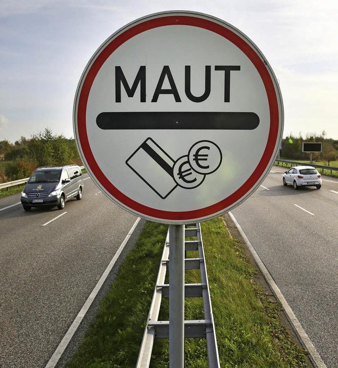 Der Bund will Gemeinden die Option erö... Bundestraßenabschnitten einzuführen.   | Foto: dpa