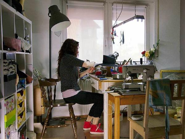 Hutmacher gibt es nicht mehr viele in Deutschland. Antje Heitzler aus March-Neuershausen beherrscht das Handwerk noch.