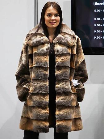 Nachhaltiger Stoff oder absolutes Tabu? Mode aus Schwarzwälder  Fuchspelz.