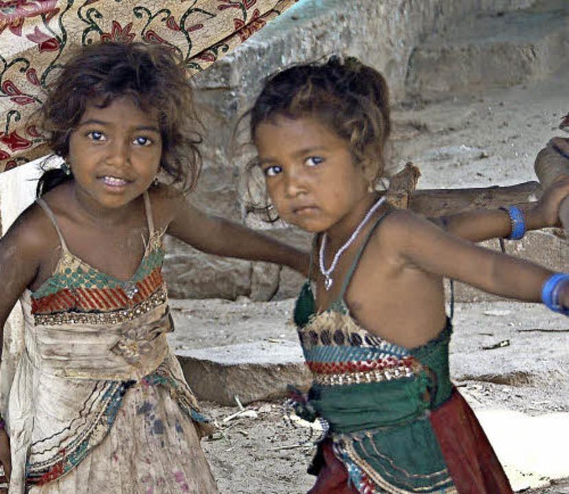 Gundelfinger Verein hilft Ureinwohnern Indiens / Hütten für Kastenlose    Foto: Andrea Steinhart