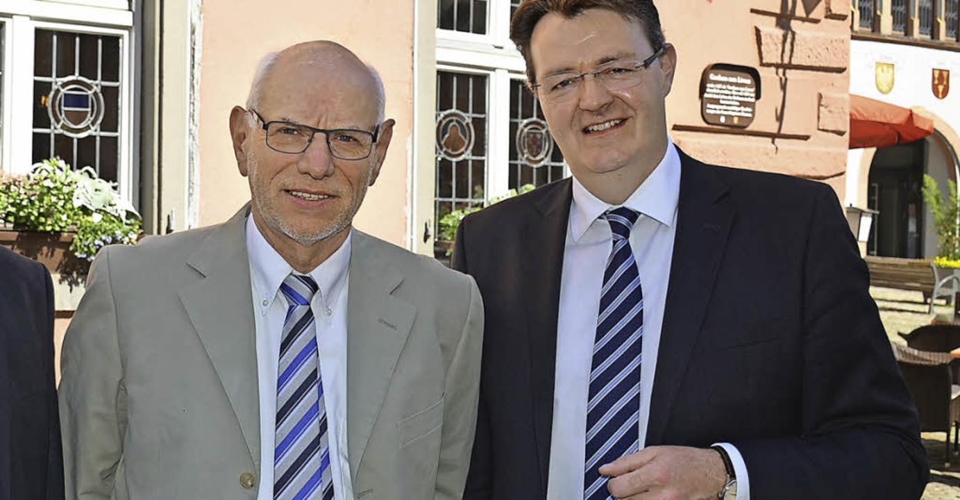 Bundestagsmitglied Michael Frieser (re...ernhard Späth moderierte das Gespräch.  | Foto: Gabriele Hennicke