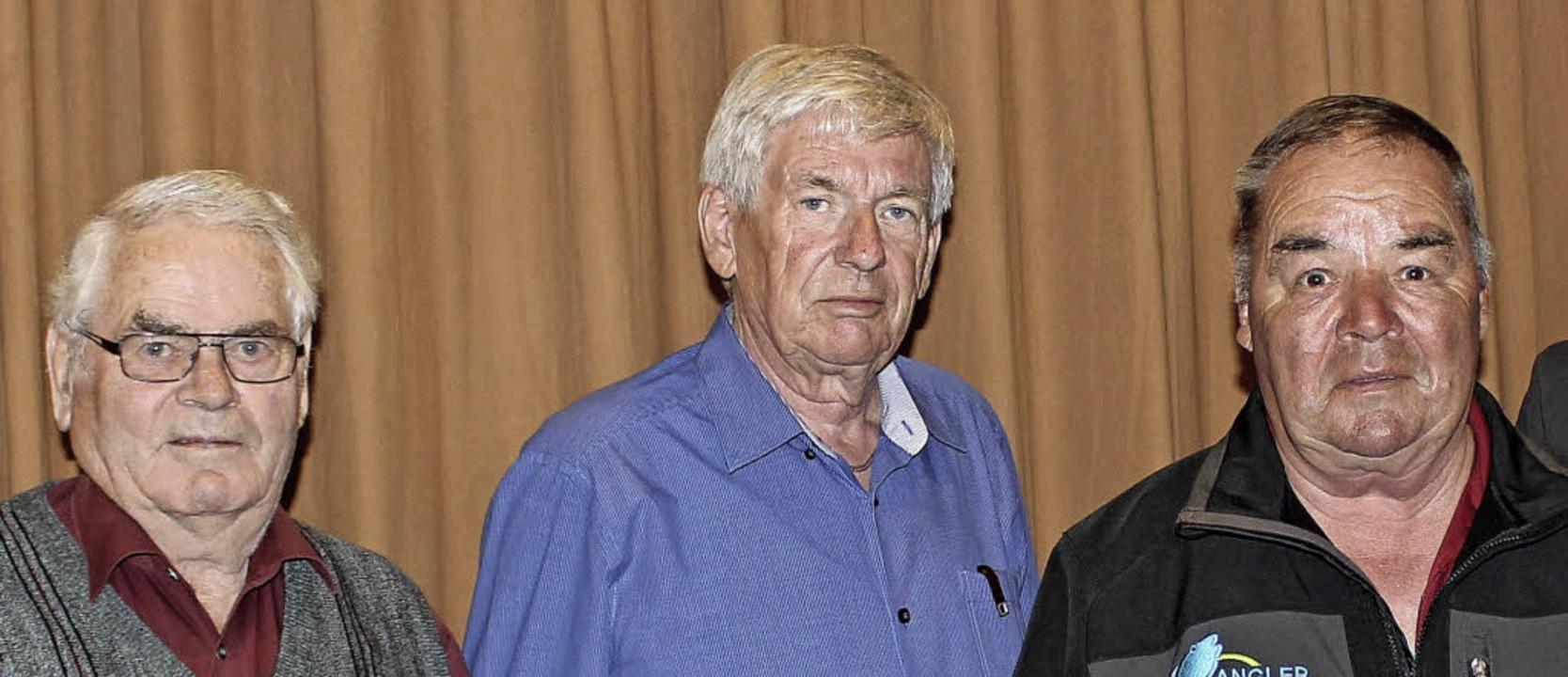 Treue Genossen: Seit 40 Jahren ist Fri... Birte Könnecke (rechts) gratulierten.    Foto: Christa Maier