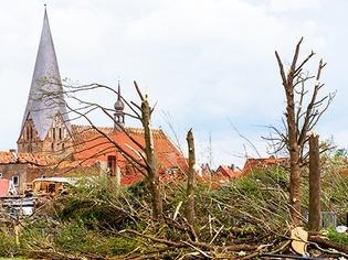 Bild der Verw�stung: Schwere Tornado-Sch�den in Mecklenburg-Vorpommern